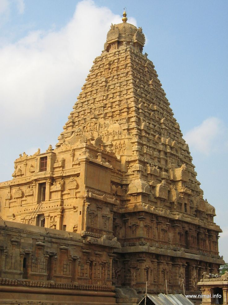 Great living Chola Temples - Witness one of the most lavish indulgences of the Chola temple architectures at the Brihadishwara Temple.