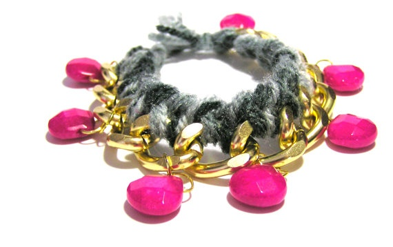 Grey woven friendship bracelet with fuchsia beads by Sinners