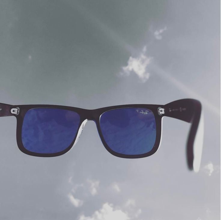 See the world through a #blue colored lens #blue #bluelife #BlueOceanLife #beachlife #travel #beach #ocean #sunglasses #shades #travel #relaxation #rayban