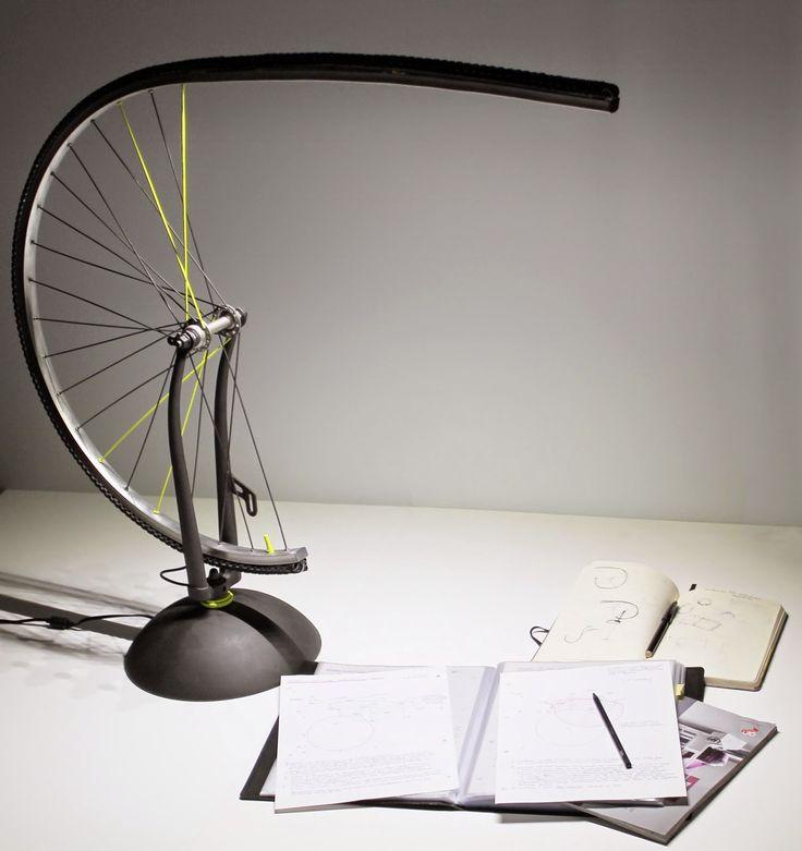 SIGMAlamp è una lampada da tavolo composta al 90% da materiale di recupero. Un manufatto che comunica il suo passato: dagli scarti può nascere qualcosa di bello.  Buona lettura su Tanguy! www.casatanguy.com