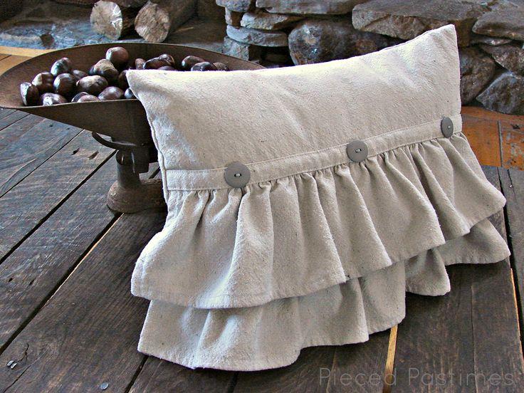 Pieced Pastimes: Ruffled Pillow with Buttons & 185 best Pillow ideas images on Pinterest   Pillow ideas Cushions ... pillowsntoast.com