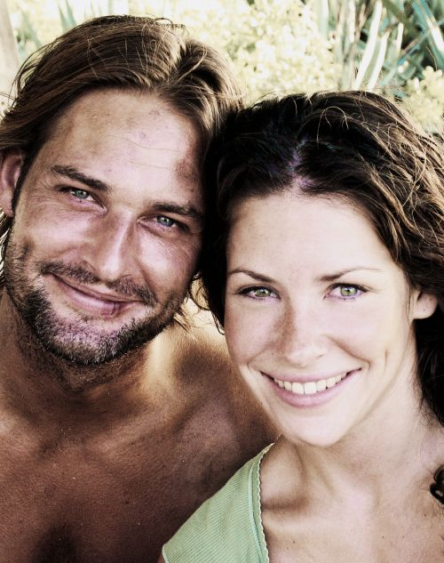 Sawyer and Kate. LOST. Lost, Josh Holloway, Evangeline Lilly. Sawyer and Kate. Skate.