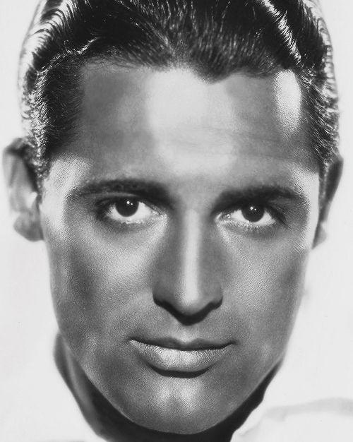 """Cary Grant 18 January 1904 - 29 November 1986 6' 2"""""""