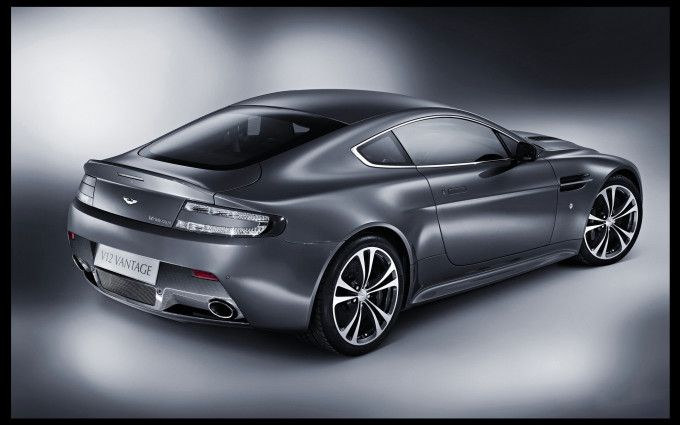 Aston Martin V12 Vantage 3 pictures