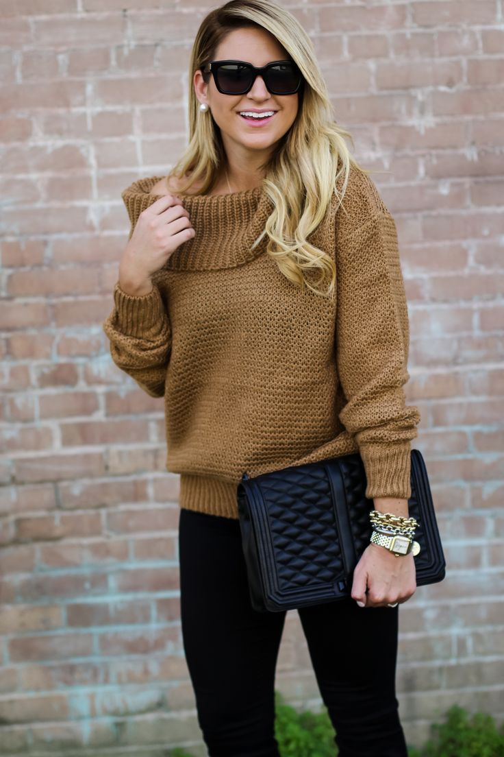Outfit | Shoulder Sweater