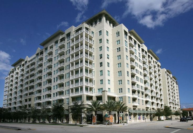 300 S Ocean Blvd - Unit 2D - Distinctive Realty Group  Listing Agent: Daragh McCaffrey Mobile: 954-608-5304 Office: 561-766-2195 Fax: 561-766-2198