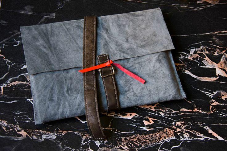 Obwoluta/ okładka na książkę. #accessories #LeatherAccessories #suede  #leatherbookcover #leatherbook #grey