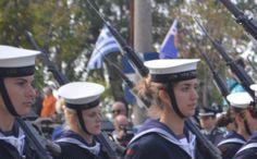 Θεσσαλονίκη 2015 - Όπως συνηθίζεται τα τελευταία χρόνια, γυναίκες που υπηρετούν ως στελέχη στις Ένοπλες Δυνάμεις της χώρας μας παρέλασαν μαζί με τους άντρες συναδέλφους τους.