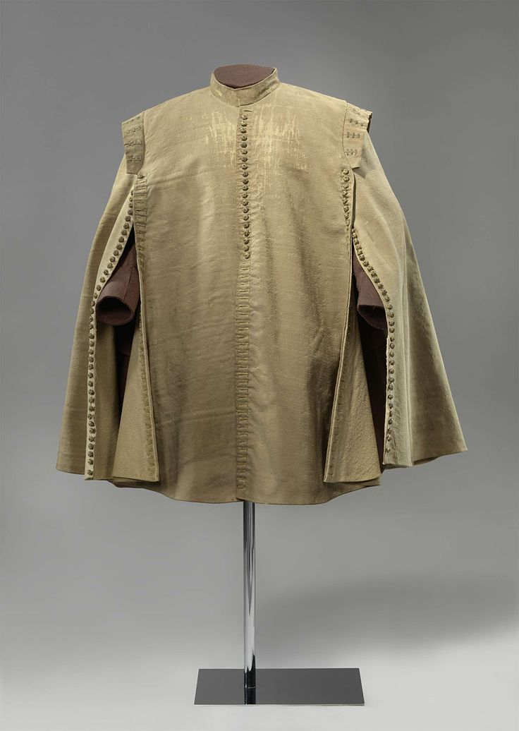 In or before 1632, the Netherlands - Riding mantle worn by Ernest Casimir I, Count of Nassau-Dietz - Woo, silk, linen, wood, silver or gold thread