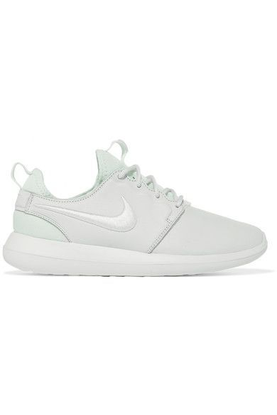 Sole measures approximately 30mm/ 1 inch Off-white textured-leather  Lace-up front Nike follows its own size conversion, therefore the size stated on the box will differ from the one provided in our conversion chart. To receive your correct fit, please refer to Size & Fit notes Imported