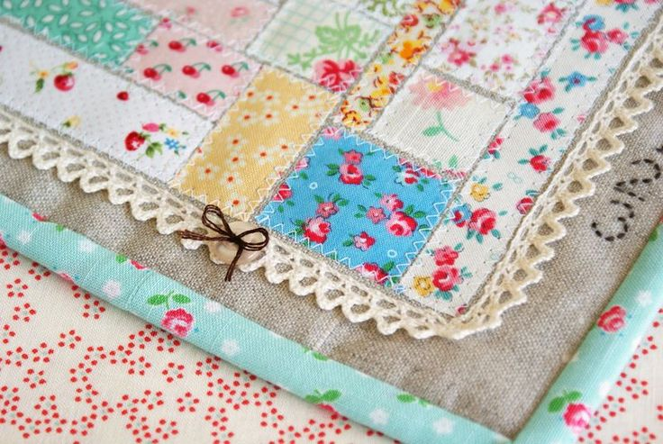 ticker tape patchwork scrap mini quilt by nanaCompany, A1881 - Oh so very sweet! !