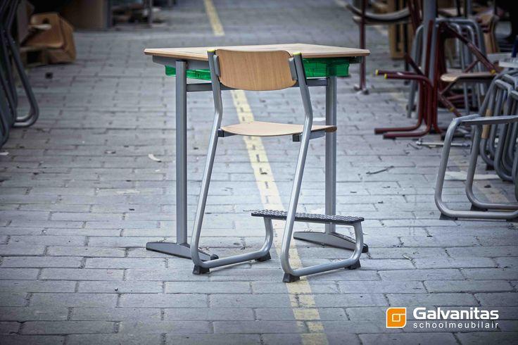 Galvanitas producten: stoel - Marco Polo, Tafel - Tepo