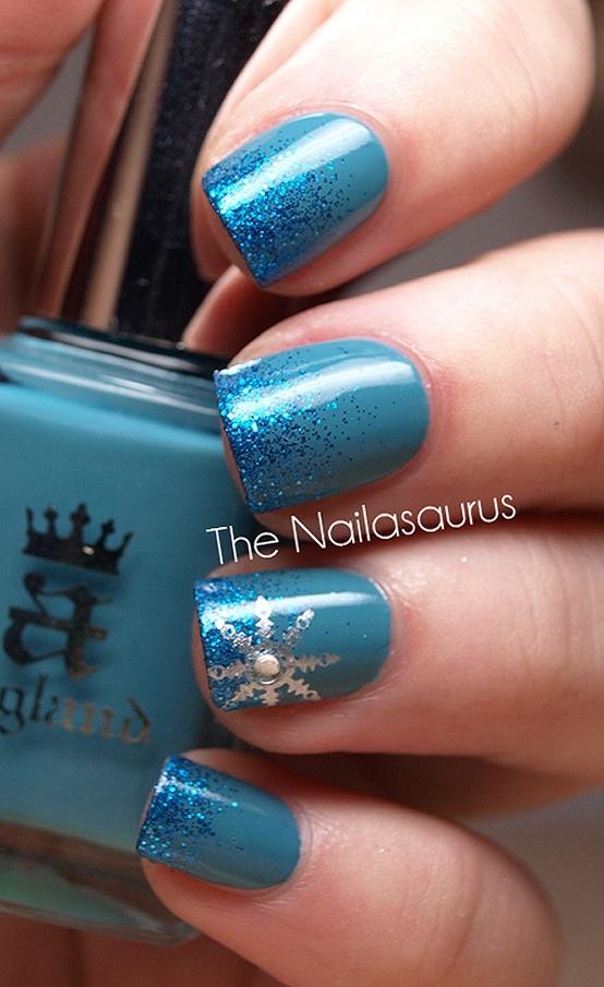 Blue Glitter Snowflake Nails   #christmasnails #nailart #christmasnailart #xmasnails
