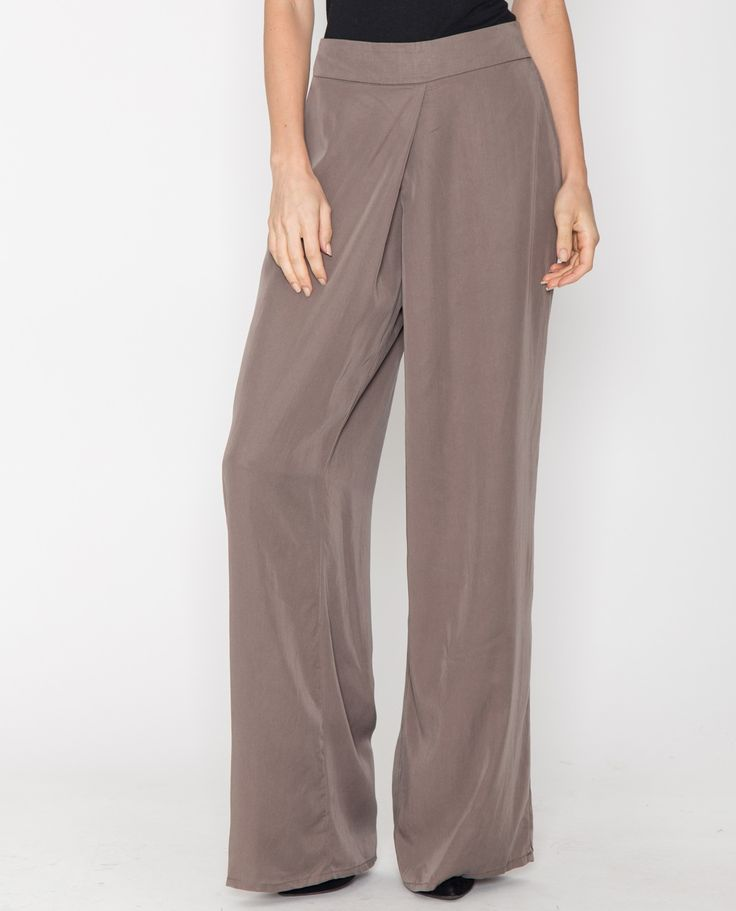 The wide-legged pant with a high waist is a classic that will never go out of style. Think Katherine Hepburn with her tailored yet feminine style. These palazzo pants are beyond comfortable and oh so