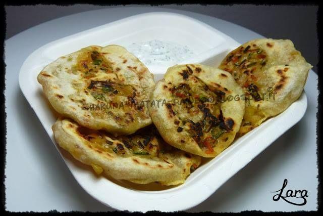 #Ecobioshopping #Ricette #Pane #arabo farcito #vegetariano (in padella), deliziosa da gustare con una salsan allo yogurt o piccante!  Sul #piatto a in #polpadicellulosa #biodegradabile a due scomparti, perfetto per dividere i condimenti.  La ricetta di http://hakuna-matata-rainbow.blogspot.it/…/pane-arabo-farci…  http://www.ecobioshopping.it/it/17-piatti-cellulosa-classic #piattibiodegradabili #monouso #stoviglieCompostabili #rispettodellanatura #ambiente #bio