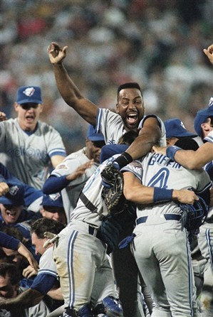 1992: TORONTO BLUE JAYS (4) vs. ATLANTA BRAVES (2); first time a team from canada wins the fall classic