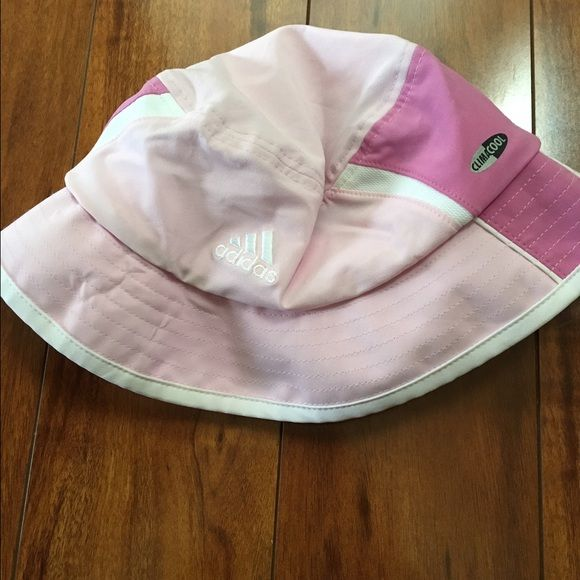 Adidas bucket hat with ponytail hole pink Cute pink and white climacool Adidas bucket hat. Ponytail hole in the back. Adidas Accessories Hats
