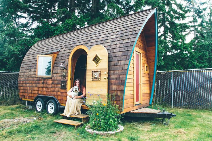 Love this tiny house on wheels!