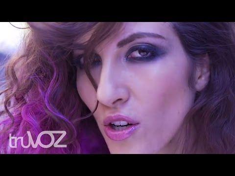 Music video by Juan Gabriel performing Si Quieres. (C) 2016 Don Alberto Aguilera Valadez Exclusiva Licencia Para Fonovisa Una División de Universal Music Méx...