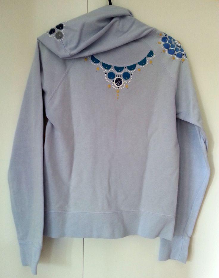 Felpa azzurra (retro) - pittura su stoffa