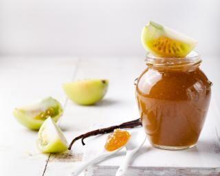 Confiture légère de tomate verte à la vanille : http://www.fourchette-et-bikini.fr/recettes/recettes-minceur/confiture-legere-de-tomate-verte-a-la-vanille.html-0