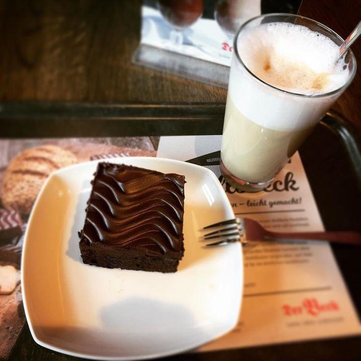 #brownie bei #derbeck #nürnberg #nuremberg #lattemacchiato #latte #schokolade #choclate #frühstück #breakfast #kalorien #foodporn