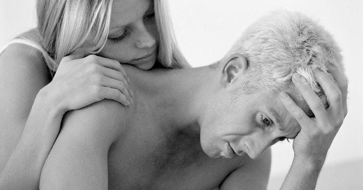 Como acalmar um namorado passando por problemas familares. Um dos muitos fatores causadores de estresse são os problemas familiares. Se o seu namorado está sentindo a pressão de estar com as mãos atadas, você pode resgatá-lo emocionalmente, sendo seu conforto e seu confidente. Para obter sucesso, é preciso reconhecer que todos lidem com o estresse diferentemente. Adapte o seu comportamento às estratégias ...