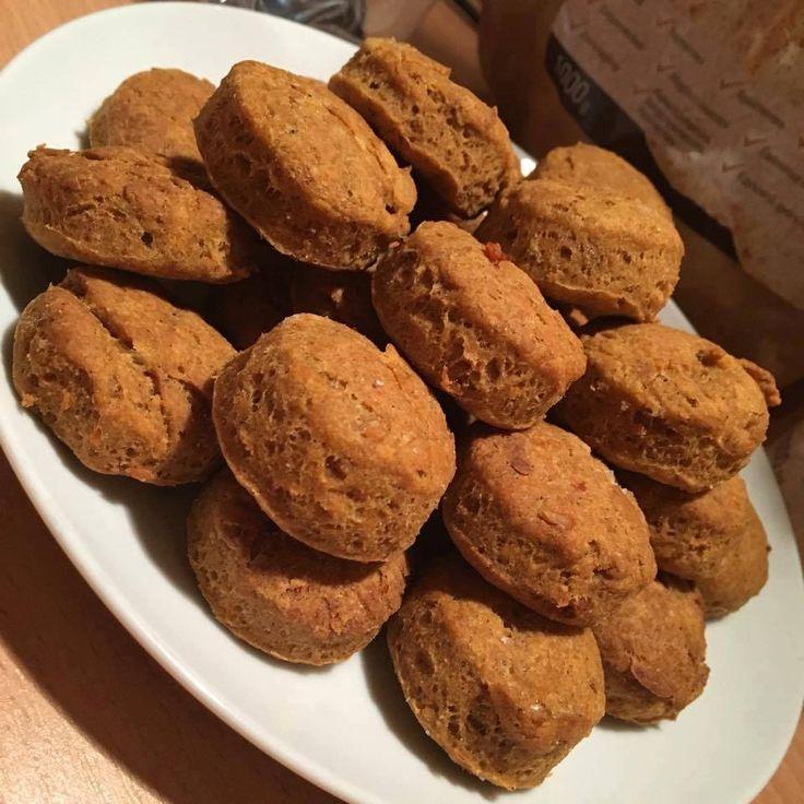 Ti Készítettétek Recept (A recept készítője: Patkós Dalma) Szafi Free tepertős pogi    Szafi Free világos puha kenyér lisztkeverékből készült gluténmentes, tejmentes tepertős pogi Hozzávalók (53 mini pogácsához):    250 g Szafi Free világos puha kenyérliszt(Szafi Free világos puha kenyé