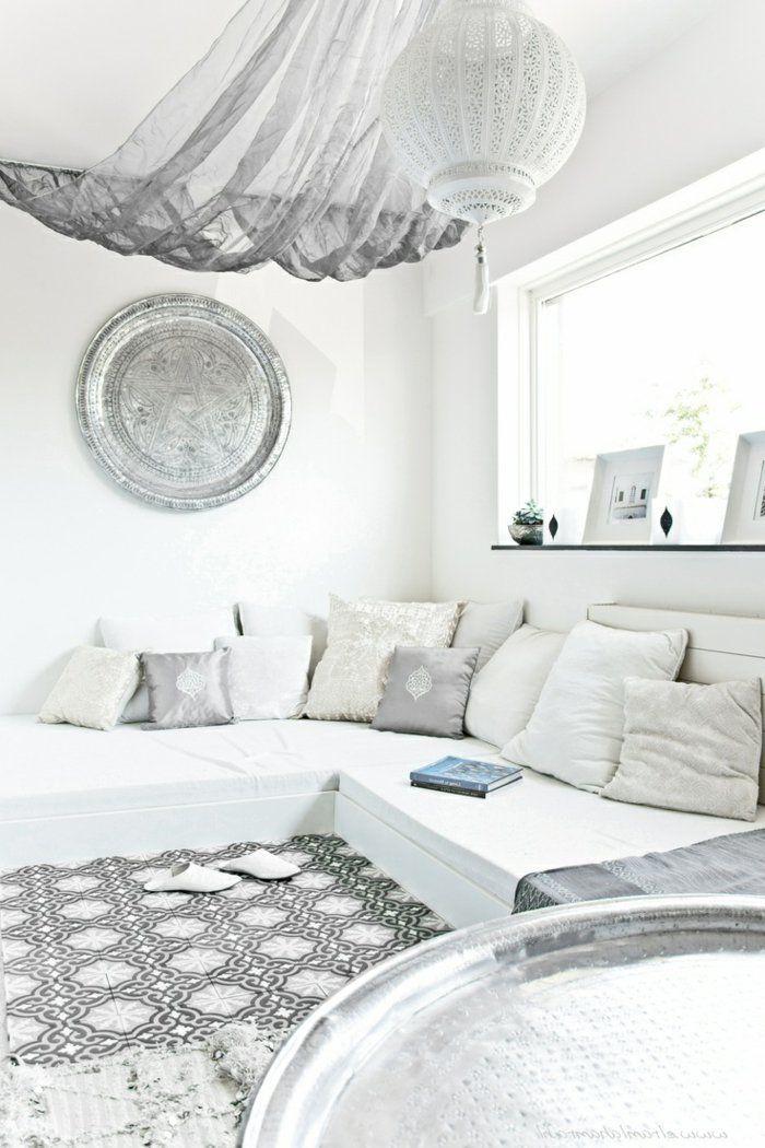 salon marocain pas cher blanc avec murs blancs et tapis blanc gris - Tapis Color Pas Cher