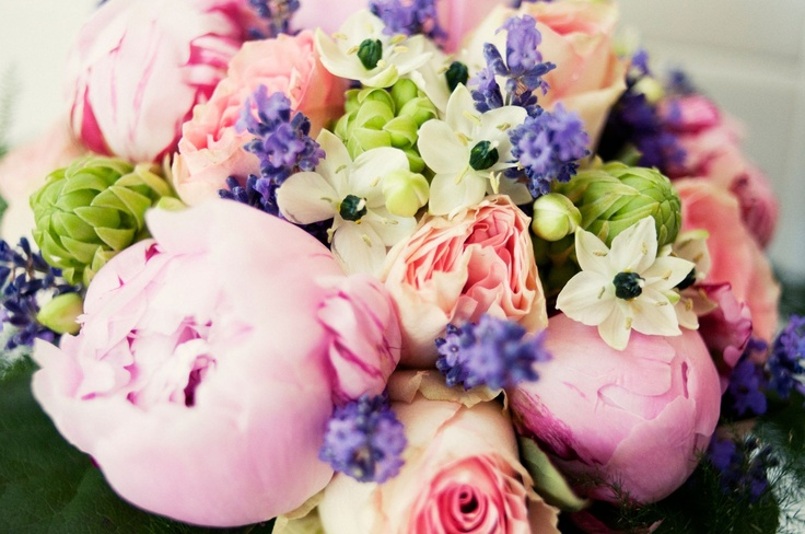 My wedding bouquet with my favourite flowers: pionies & lavender :-)