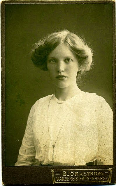 Portrait of a young woman, Sweden, ca. 1915