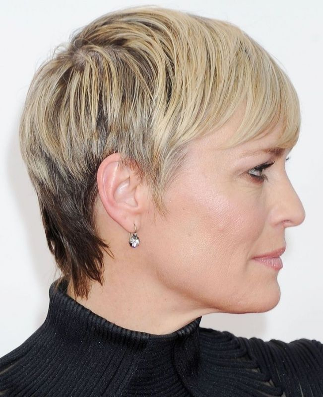 Robin Wright Haircut: 50 Best Hairstyles For Women Over 40