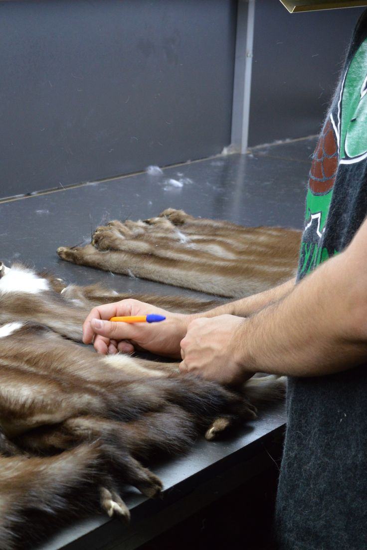 Expert and creative hands, transform the most luxurious fur parts into unique works of wearable art.