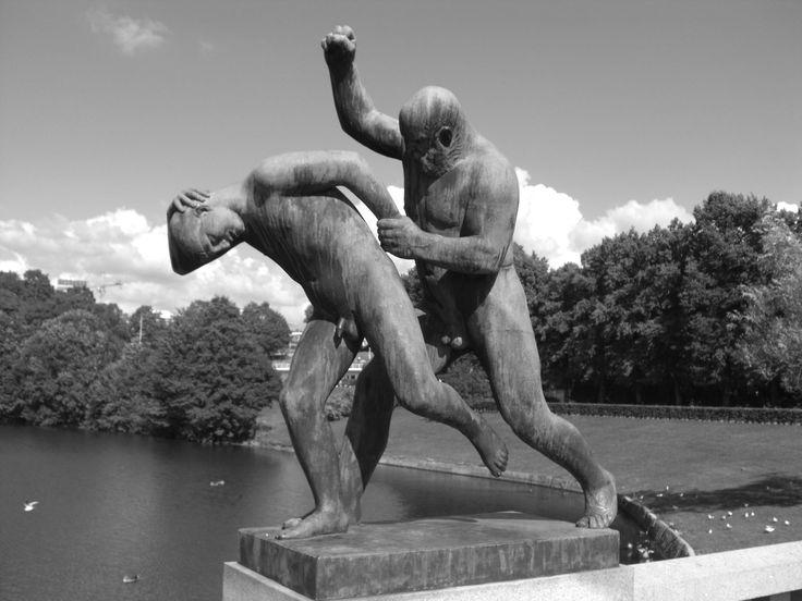 Norway - Strange monument in Oslo (photo by Sebastiano Piotti)