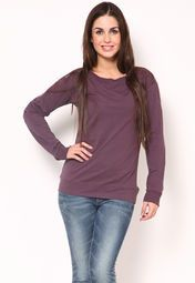 Look glamorous this winter by wearing this purple coloured sweatshirt from the latest collection of Adidas. Feminine, chic and appealing, it will make you the cynosure of all eyes. Tailored in regular fit from polycotton spandex, it will keep you at relaxed all day long. Wear it with denims and sneakers to look ravishing!