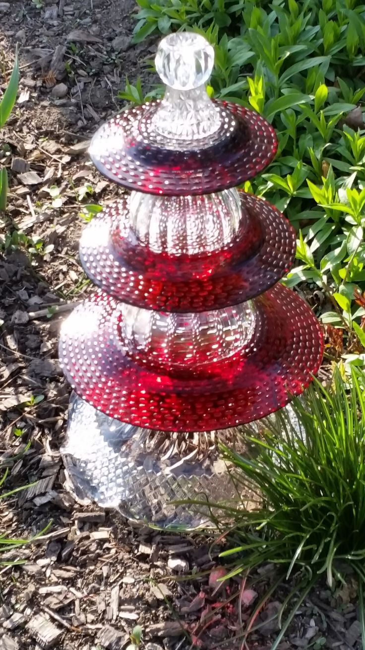 Homemade garden art - Garden Totems
