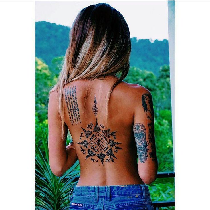 "172 Likes, 2 Comments - Official count (@tattooed_knights) on Instagram: ""Beautiful tattoos on the back Model:@amandallnorman ________________________________ #tattoo…"""