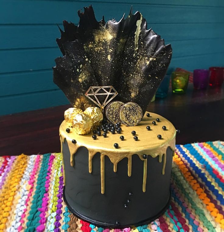 25 Best Ideas About Black And Gold Cake On Pinterest