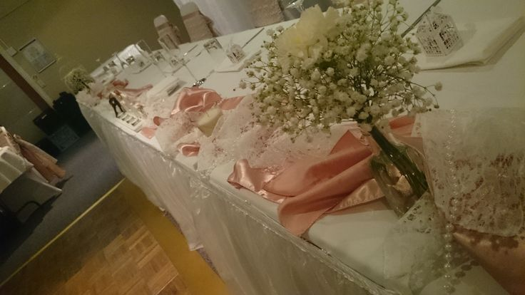Bridal table for a vintage wedding. Fresh babies breath adds softness and height to the table. #vintage # #pink #wedding #love #soft #pretty #dustyrose #freshflowers #astylishcelebration www.astylishcelebration.com.au