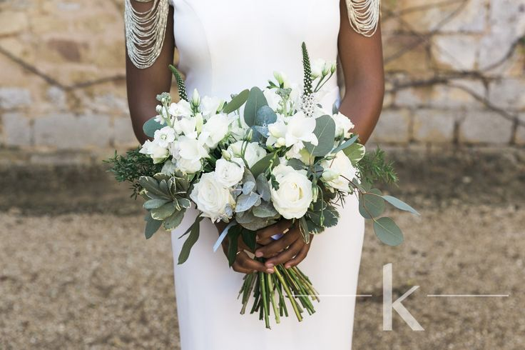 All white loose wedding bouquet