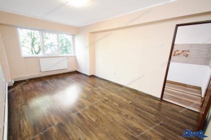 Vand apartament 1 camera in Galati, M20 (Brailei, bl. A), etaj 4/10, renovat, centrala