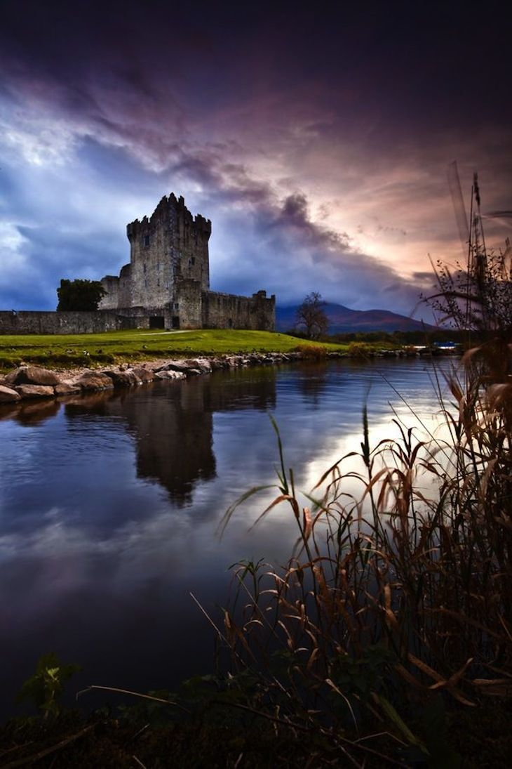 Ring of Kerry, a 100-Mile Secenic Loop in Ireland TOP 10 Most Scenic Places to Visit in Ireland