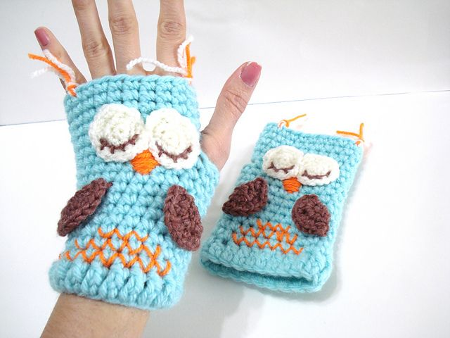 Ravelry: Sleepy Owl Gloves pattern by AllSoCute Seren