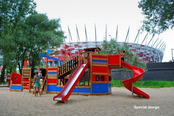 Bounty: Plac zabaw- statek na Stadionie Narodowym w Warszawie