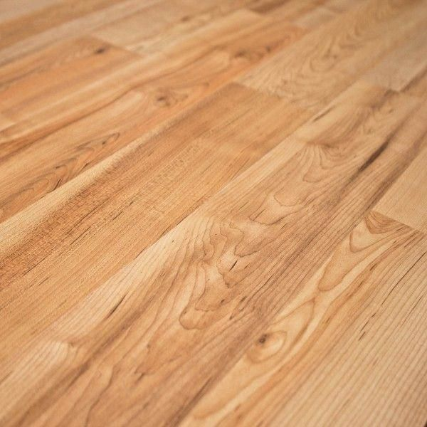 Quick Step Naturetek Sweet Maple Sfu037 Is Simply Radiant It Features A 2 Strip Plank Design And Ele Maple Laminate Flooring Laminate Flooring Colors Flooring