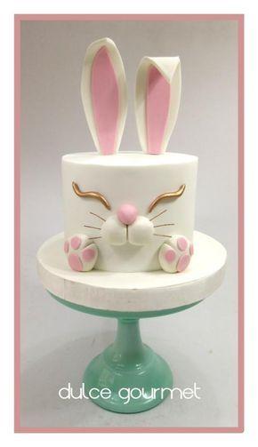 Torta fondant conejo delicada y sencilla