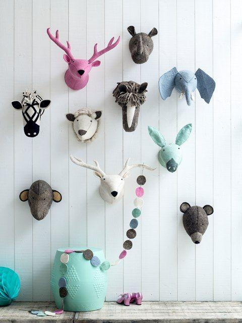 dierenkoppen voor aan de muur, mooi gemaakt van vilt. Hip in vele kleuren van Kidsdepot. #mint #pink #kinderkamer #babykamer #rhino #horse #raindeer #donkey