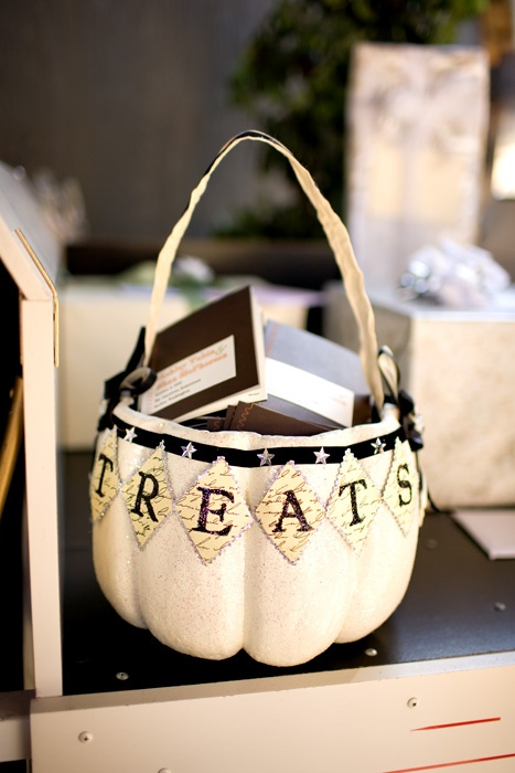 treats bag - Halloween wedding theme