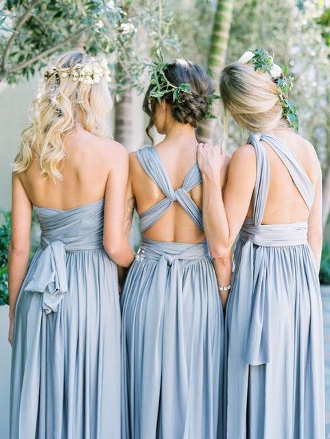 El vestido eterno de @rojocarmesi en otro de los colores del año Azul Serenity, https://innovias.wordpress.com/2016/02/12/el-vestido-multiusos-para-invitadas-y-damas-de-honor-de-rojo-carmesi/