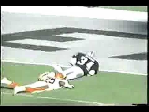 Bo Jackson, one of the greatest athletes! Played NFL football for the Raiders and Major League Baseball for the Kansas City Royals! Here's a great clip of some of his greatest football runs